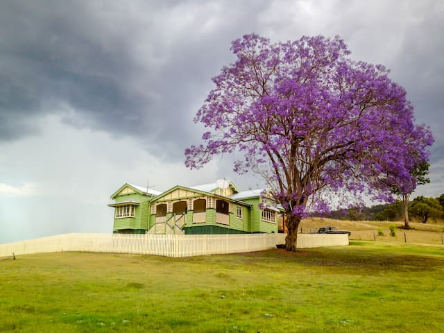 For a country escape, Stay at Kirro - Darlington - Casa