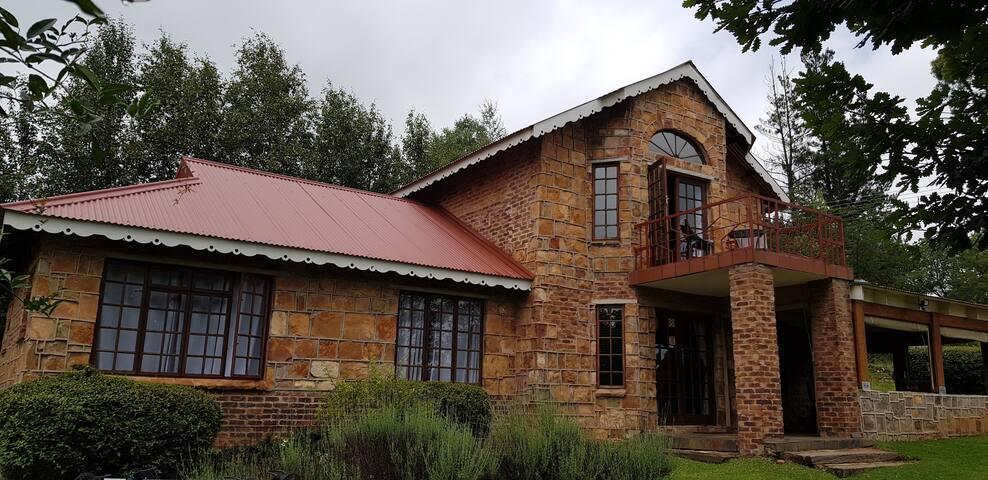 Alm-U Guesthouse