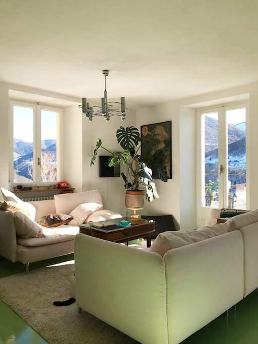Soggiorno con vista - Living Room with view