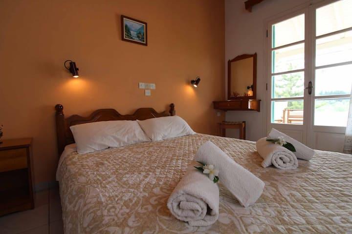 Frankis Apartment 8 Agios Spyridonas Perithia
