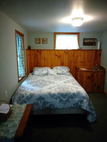 Cozy in-law unit in lower village Kennebunk - Kennebunk - House