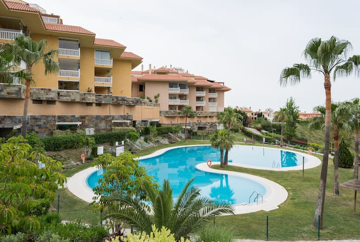 Large 3 bedroom apartment in Reserva de Higueron. - Fuengirola - Apartment