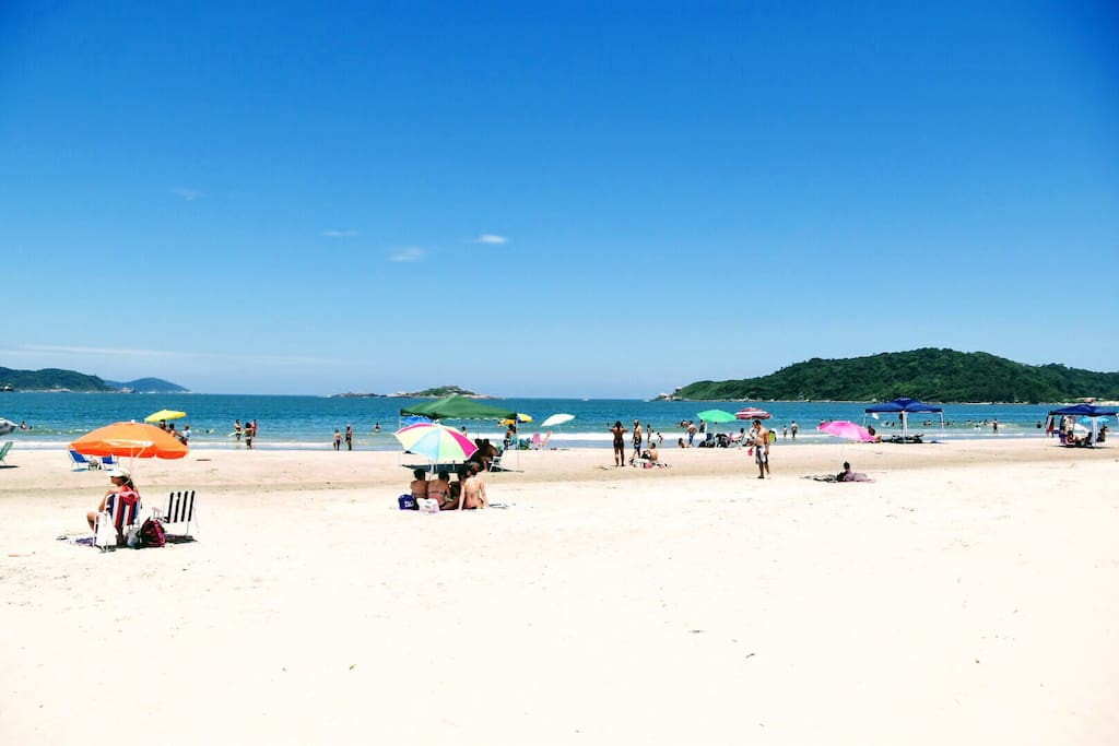 Maravilhosa Praia do Sonho a 300m de distância.