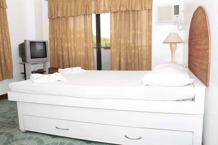 Hapao Room, Baclayon Bed & Breakfast - Tagbilaran - Byt