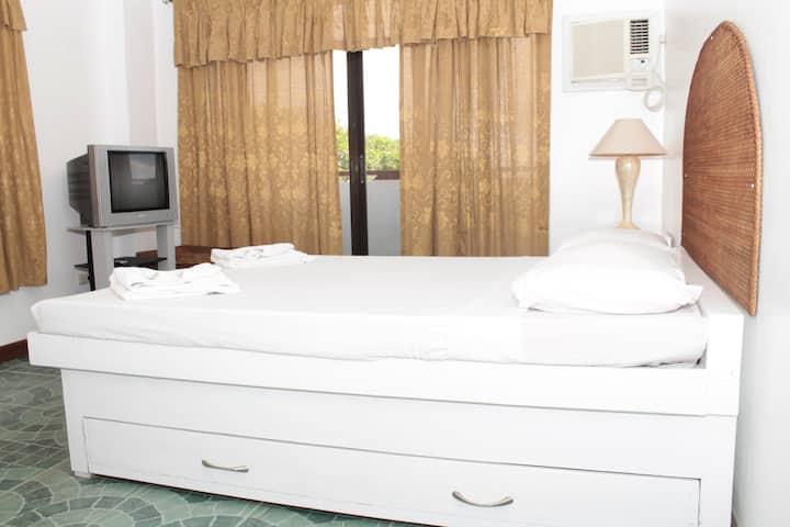 Hapao Room, Baclayon Bed & Breakfast