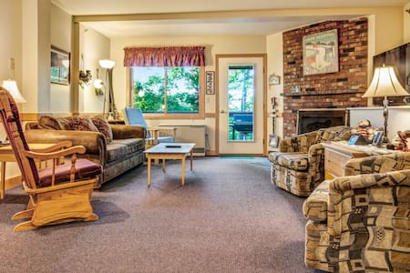 Spacious ski home features shared pool/hot tub and easy access to nearby trail!