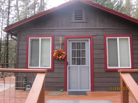 """Poker Bar Farms-""""Cabin in the Woods"""""""