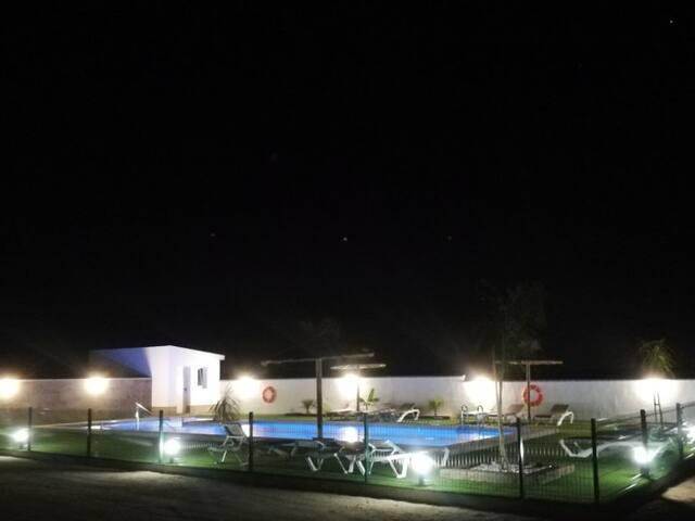 Apartamentos con terraza y piscina comunitaria 2