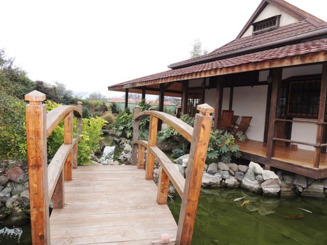 Casa Japonesa en Condominio en Chicureo - Santiago - Dom