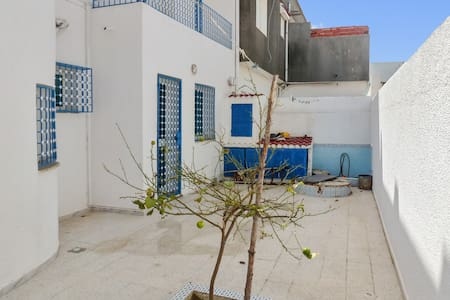 Spacious sea-view house w/ air con - Kelibia - Huvila