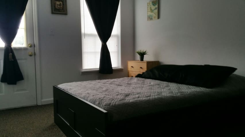 Comforts of home less than a motel - Nicholasville - Appartement