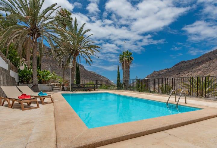 Casa con piscina compartida en Mogán (GC0285)