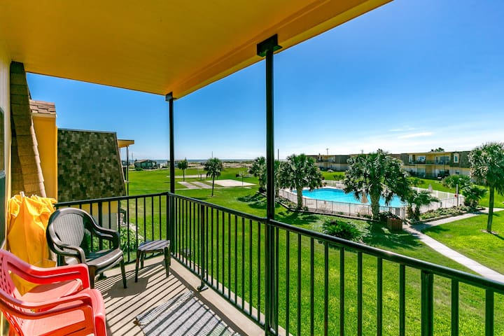 Watch the Waves From Your Balcony - Port Aransas - Appartement