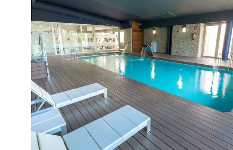 Penthouse with sea views, SPA, heated pool!