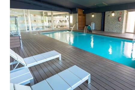 Penthouse with sea views, SPA, heated pool!