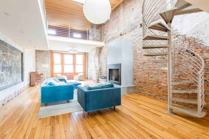 Spacious Loft on Warren Street