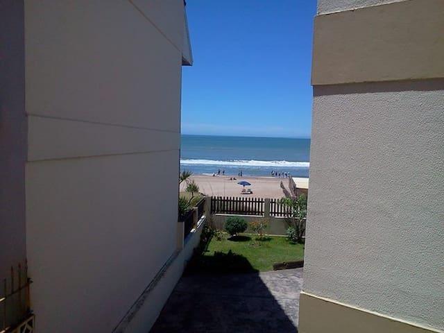 monoambiente con vista al mar, en pleno centro - Villa Gesell - Apartamento