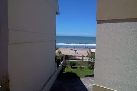 monoambiente con vista al mar, en pleno centro - Villa Gesell - Appartement