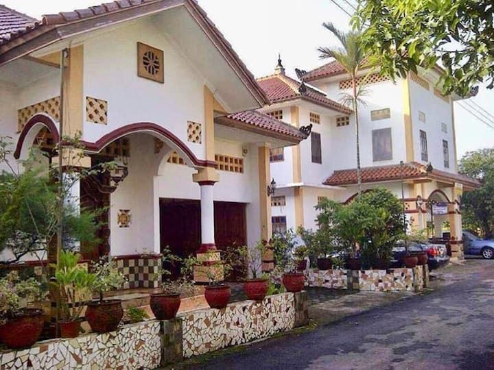 Guest House Griya Canisa