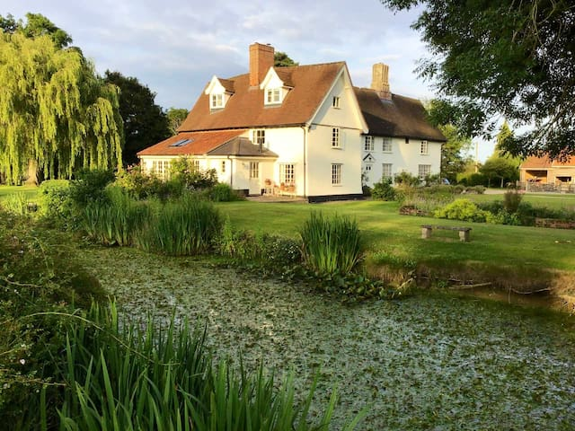Beautiful grade ll listed farmhouse with pool