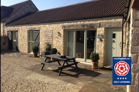 Sheep Shed Cottage: Sleeps 6 - Bathampton - Haus