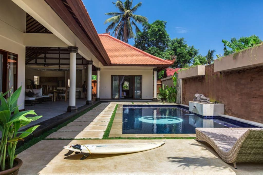 Nusa Lembongan offers world class surf and diving. The beach is minutes from the villa