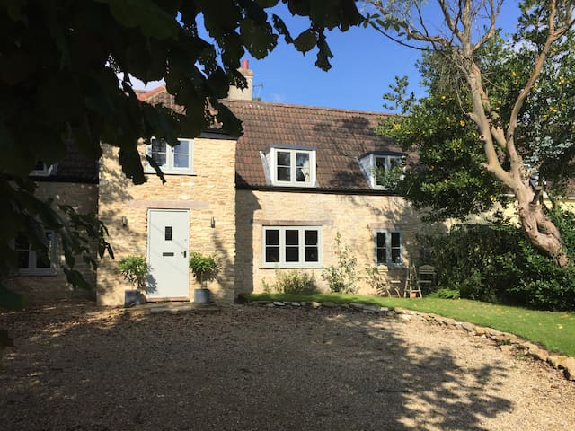 Cotswolds Stone Cottage