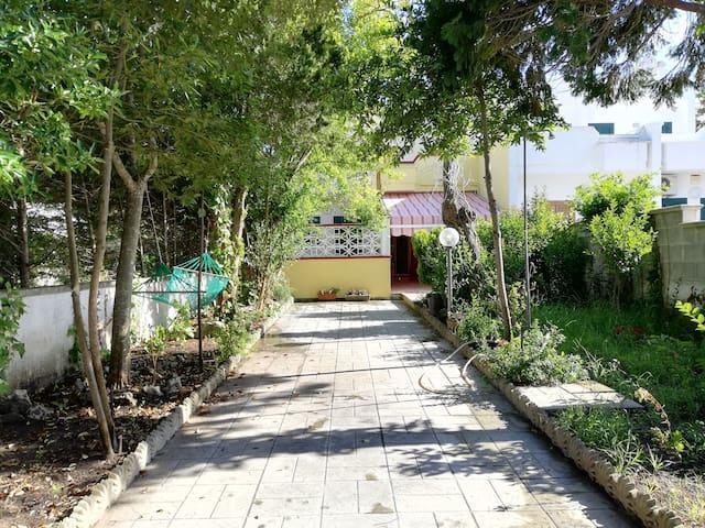 Villetta estiva con giardino a Torre dell'Orso