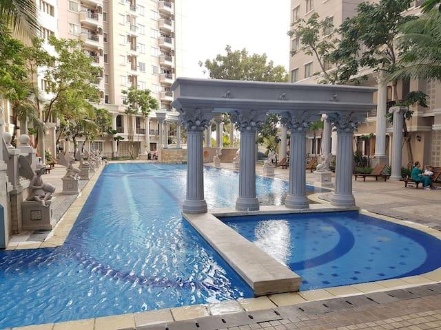 Waterplace Apartment 2BR,3mins walkto Pakuwon Mall