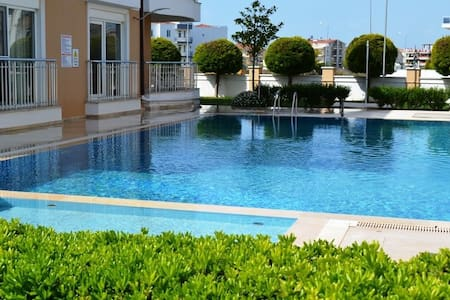 Apartment with pool and air-con near golf course - Belek - Leilighet