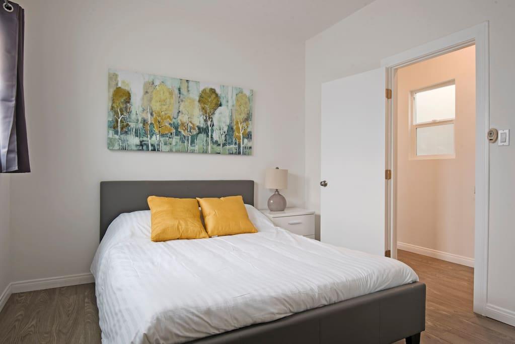 Bedroom 3- Queen Size Bed