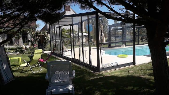 """Gite de charme avec piscine  """" La Poquionnerie """""""