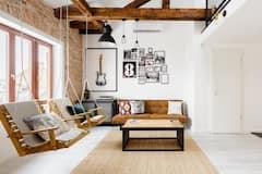 Unique%2C+Bright+Top+Floor+Loft+with+Castle+View