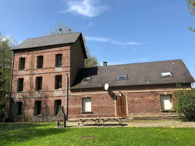 Gite Moulin Fontaine 20 pers avec rivière