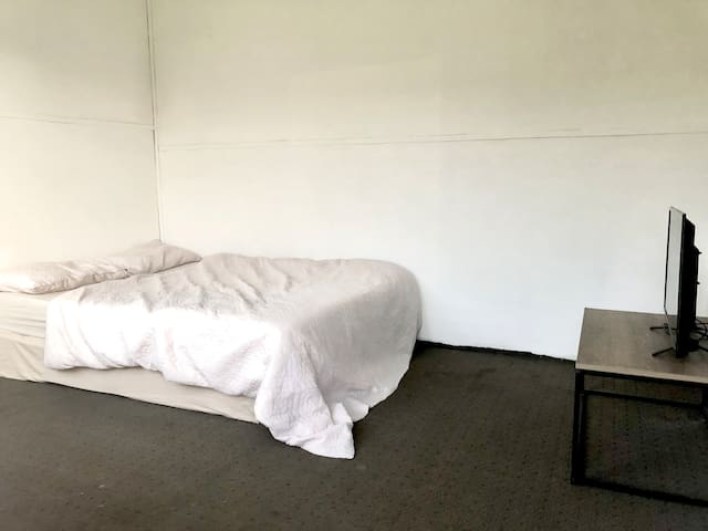 Studio with large garden available.