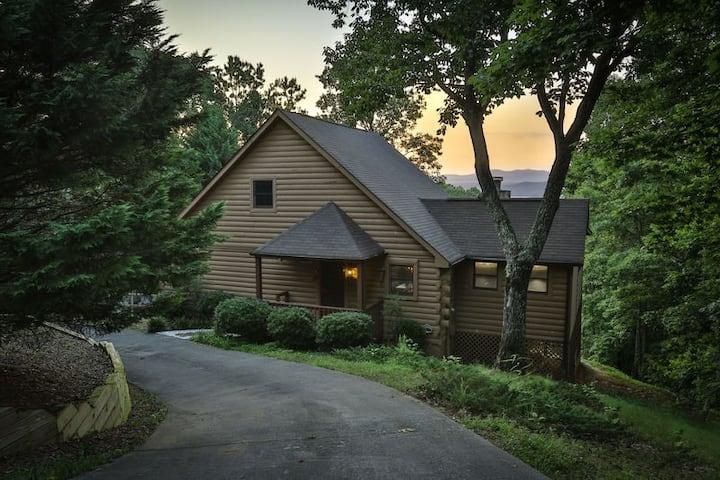 Mountain Lake Escape | Ellijay, GA