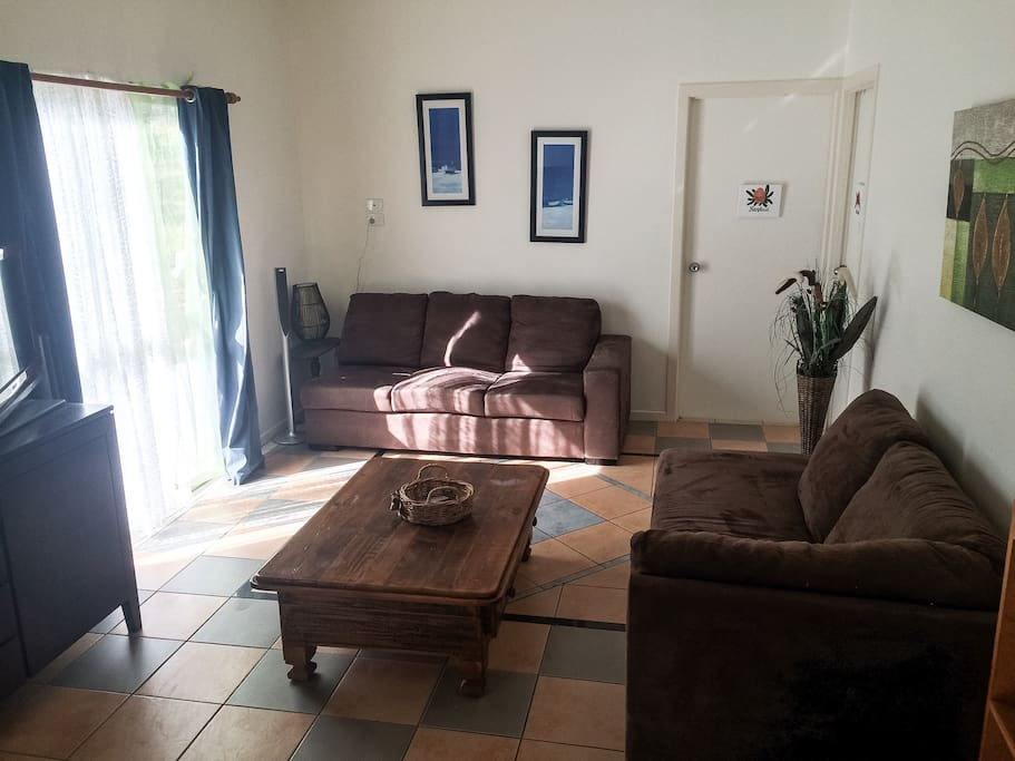 Comfy lounges, Books, games, PS3, DVD player