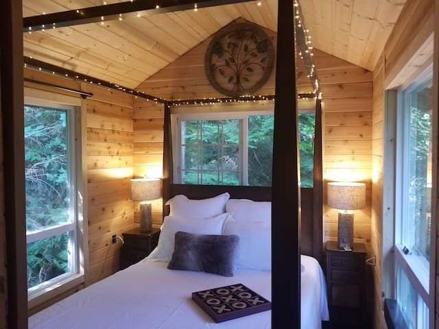 A perfect nights sleep in the treetops awaits.