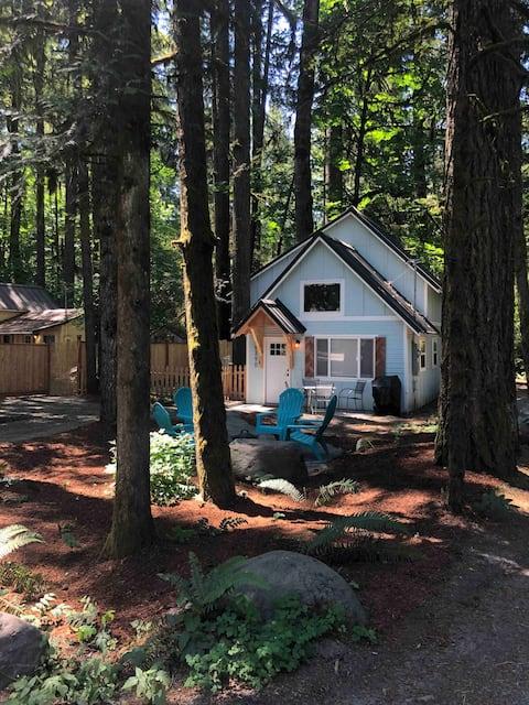 Mountain Hazel Woodsy Retreat