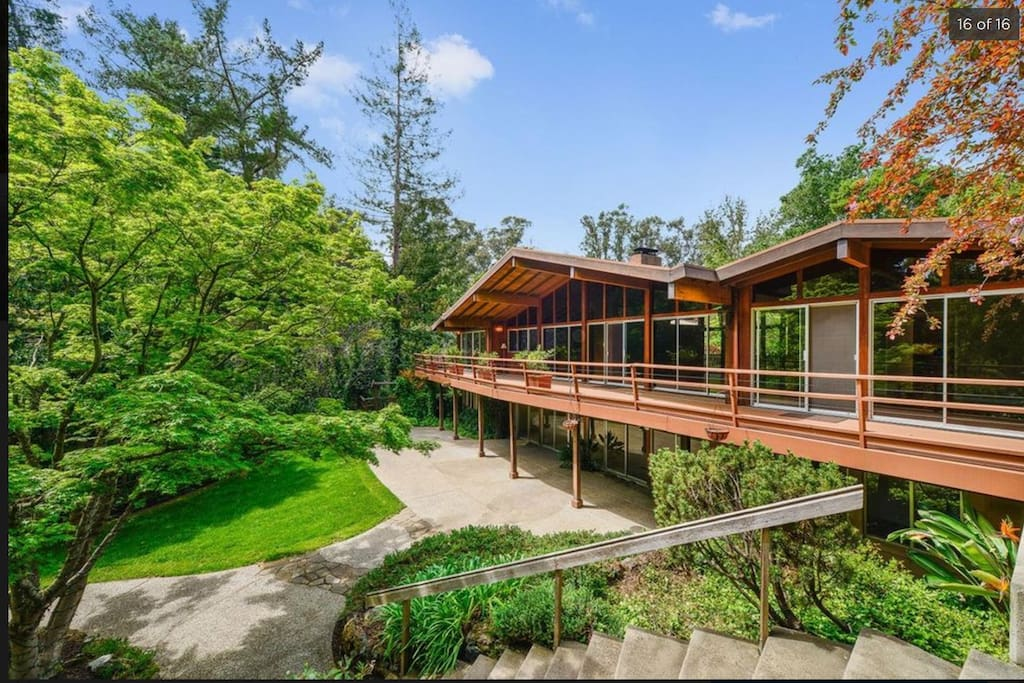 4,300 sq ft home on wooded property