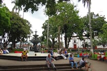 Central Park Alajuela, only 4 blocks from the apartment