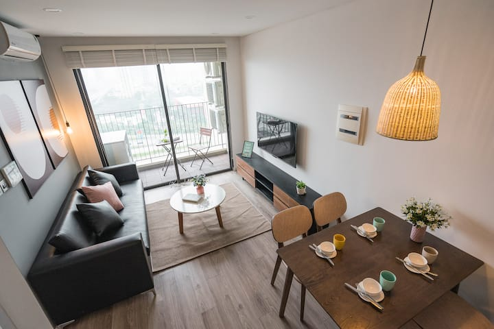 Lecos D'Capitale Luxury Apartment w Best Offer 2.3