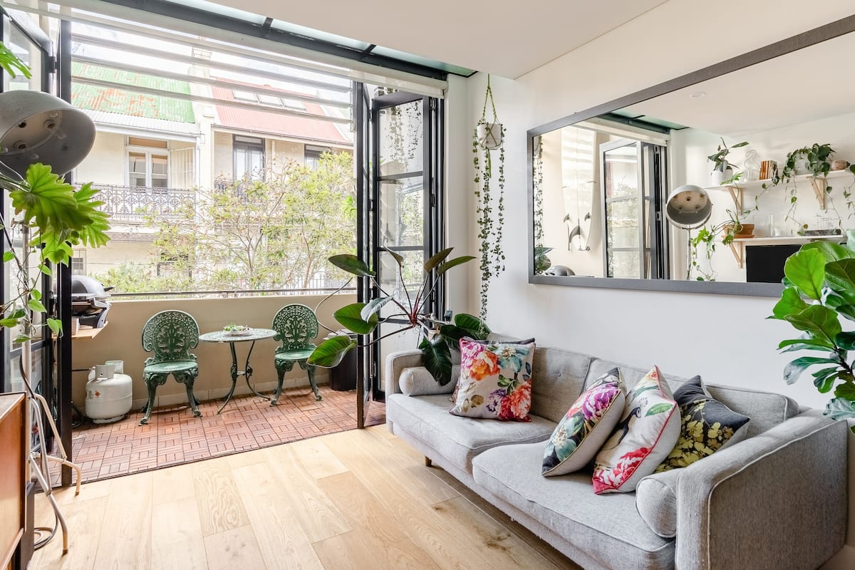 Bring the Outside in at an Urban Jungle Loft in Darlinghurst