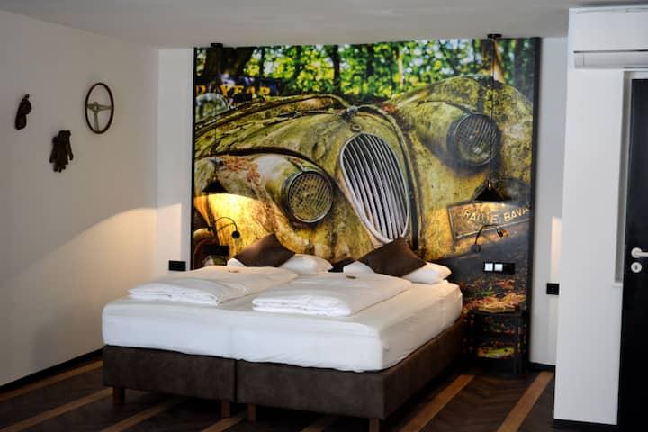 ROSER Suiten, (Gengenbach), Suite ClassiCar, 55qm, 1 Schlafzimmer, max. 4 Personen