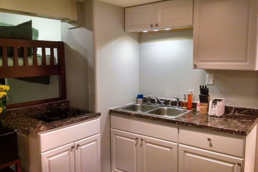 Kitchenette. 2-Burner Stove-Top, 2-Basin Sink, Toaster Oven,