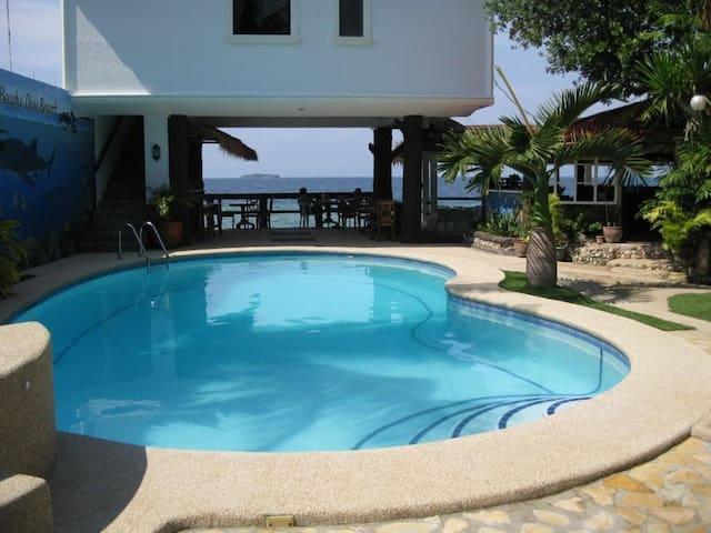 Love's Beach and Dive Resort Garden View Room w/AC - Moalboal - Bed & Breakfast