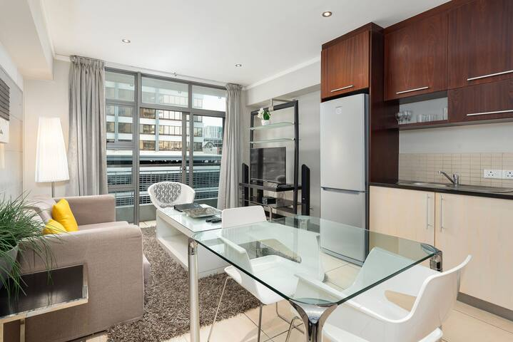 Icon 600 - Studio Apartment