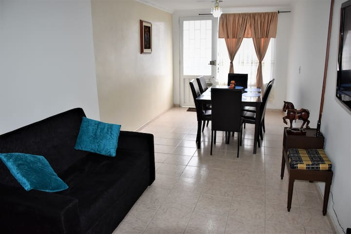 COZY AND QUIET APARTMENT, NEAR TO THE AIRPORT.