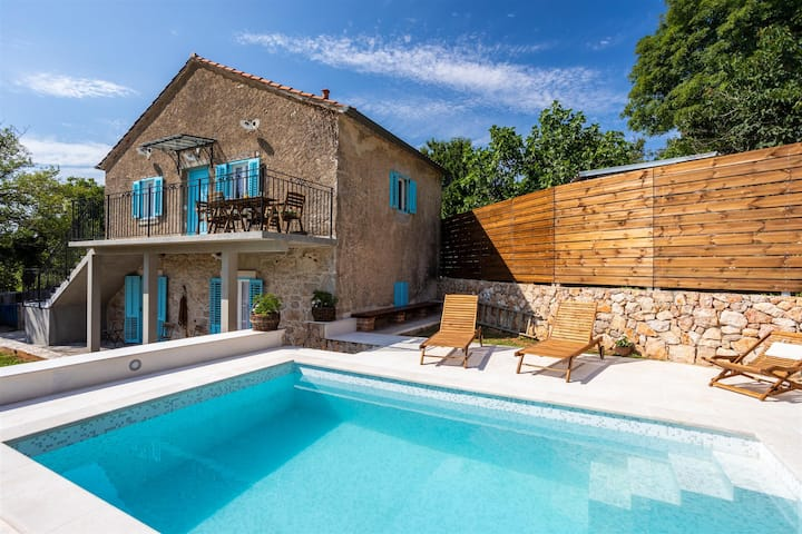 Rustic Stone House Katarina With Pool By The Sea