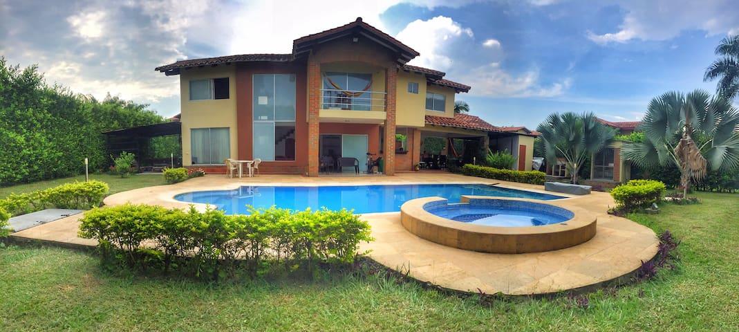 Casa Campestre Cerritos - Pereira - Haus